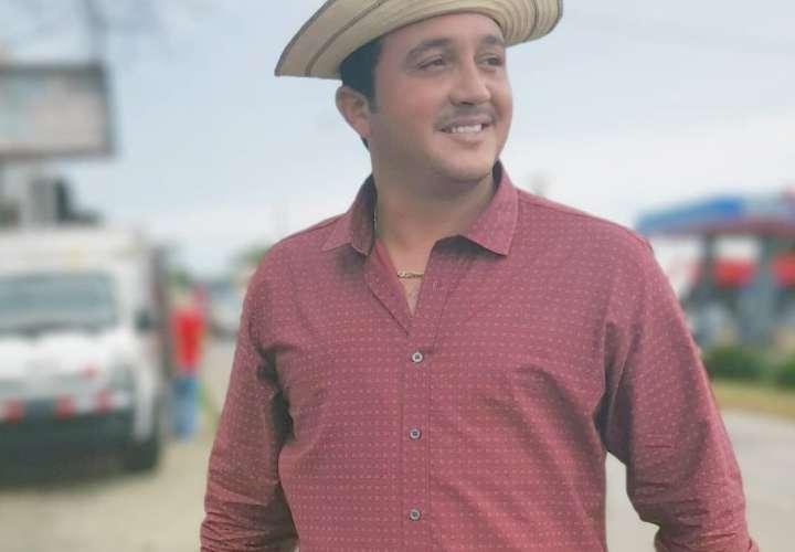Lucho Pérez bajará la panza por salud, ya se siente mucho mejor