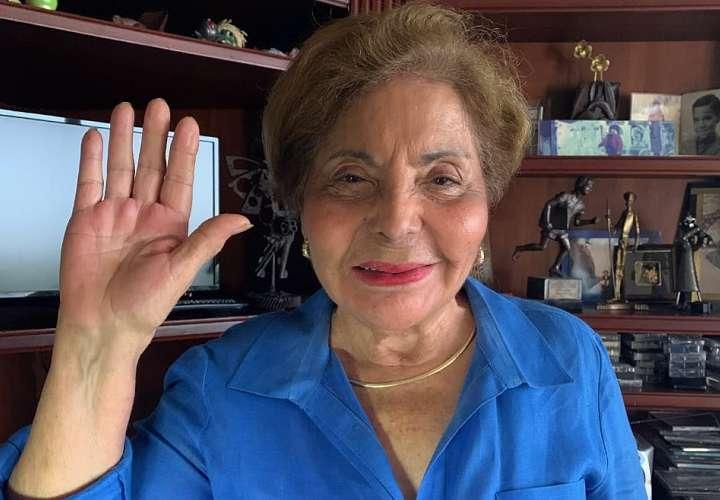 Mayín es juramentada en la secretaría del Grupo de Amistad Parlamentaria