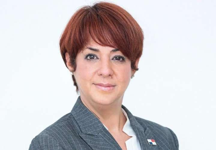 Mayra Inés Silvera.
