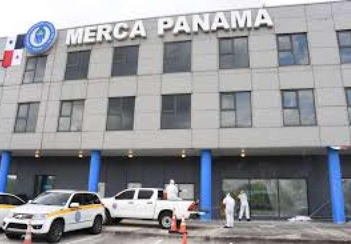 Merca Panamá pasa por proceso de limpieza y desinfección