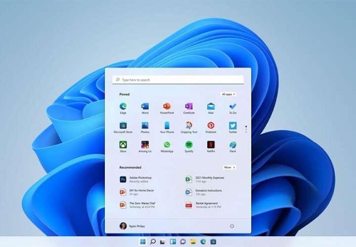 Fotografía cedida por Microsoft donde se aprecia el menú de inicio y los iconos de las aplicaciones más usadas de su nuevo sistema operativo Windows 11 que han sido movidas de la esquina inferior izquierda de la pantalla al centro. EFE