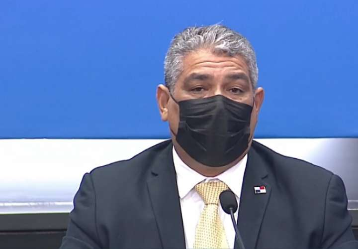 Ministro de Salud Luis Francisco Sucre.
