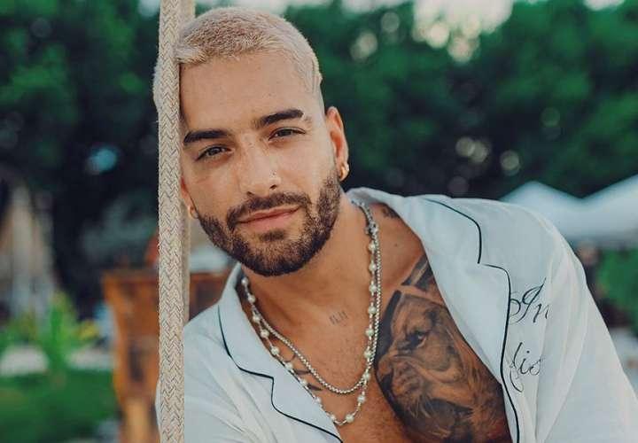 Maluma se tatúa lo que más ama en una parte privada de su cuerpo