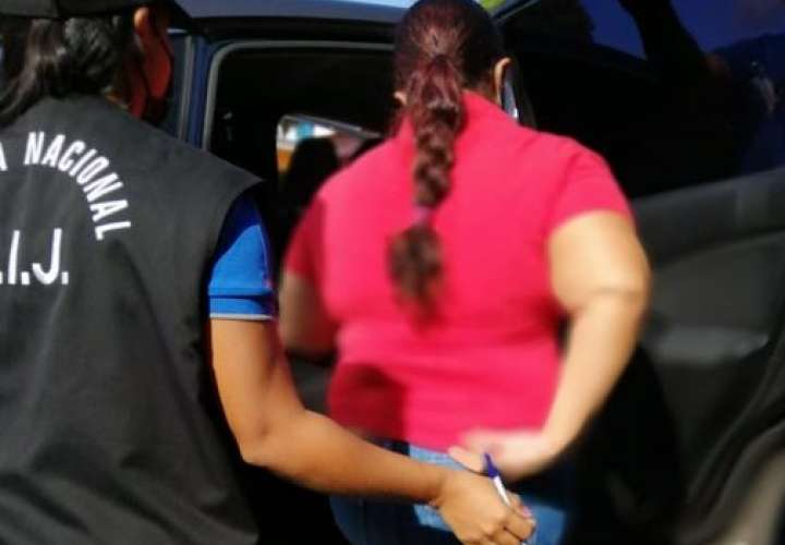 Capturan a dos mujeres vinculadas a irregularidades en albergues [Video]
