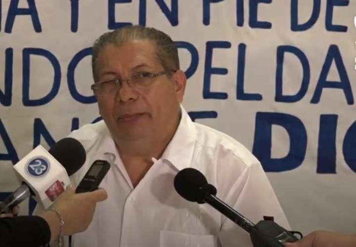 """Pastor: Daniel Ortega produciría milagro de """"multiplicación de los penes"""""""