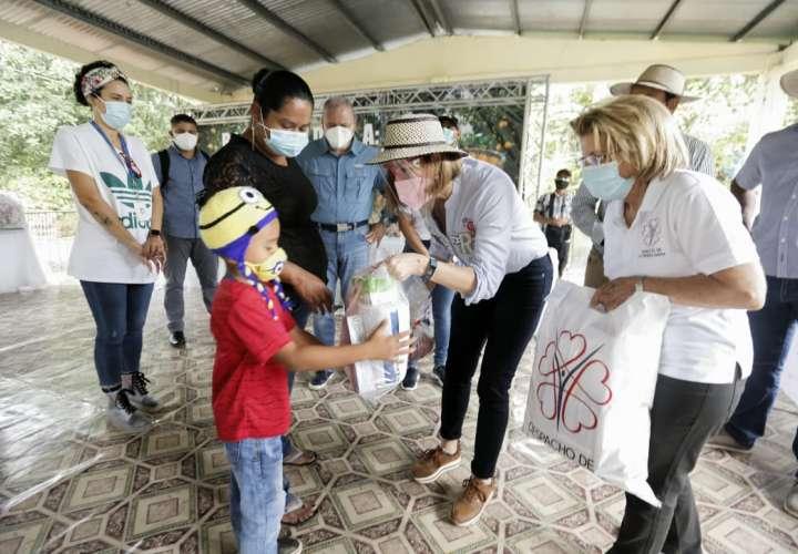 Jornada humanitaria beneficia a más de 200 familias en Coclé