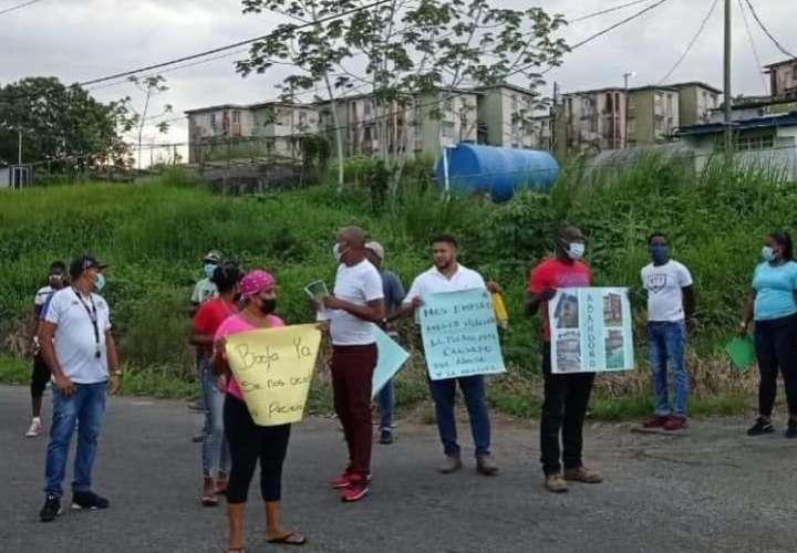La semana pasada los moradores de esta población cerraron la vía del sector por más de una hora, exigiendo respuestas a las malas condiciones de los edificios.