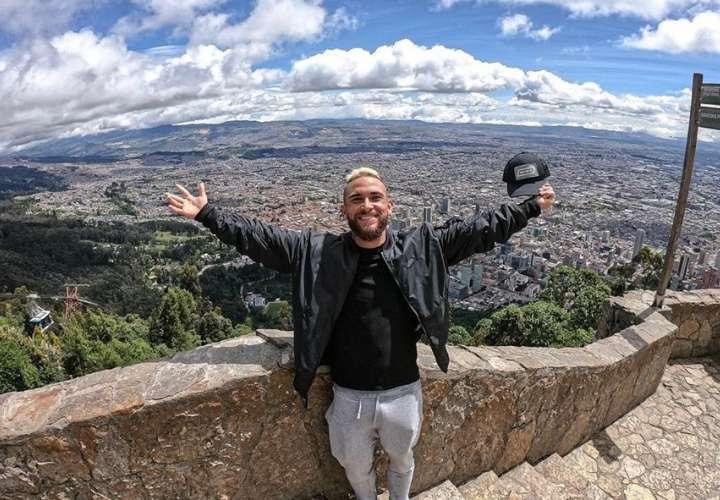 Rafe Lucado afirma que no es homofóbico, él está gozando en Colombia