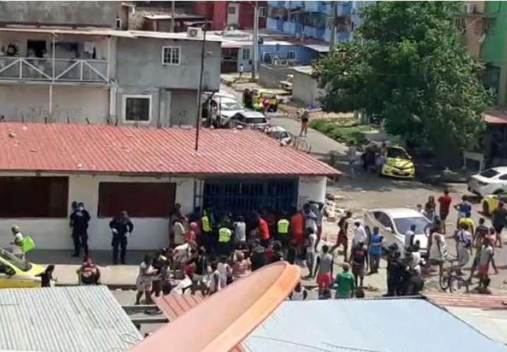 Comerciante regala mercancía de su local y casi termina saqueado en El Chorrillo