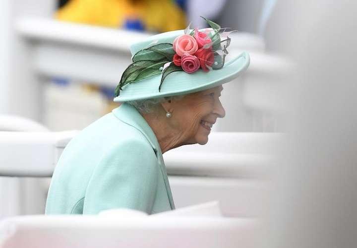 Imagen de archivo de la reina Isabel II. EFE