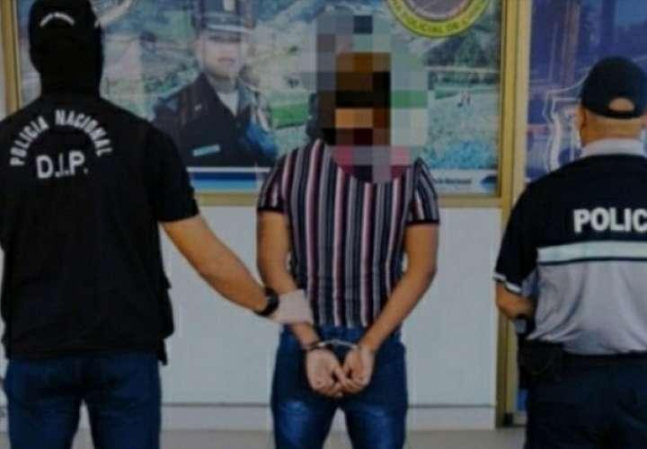Se espera que en las próximas horas el adulto sea presentado ante un juez de garantías por su presunta vinculación al robo de fotógrafos chiricanos.