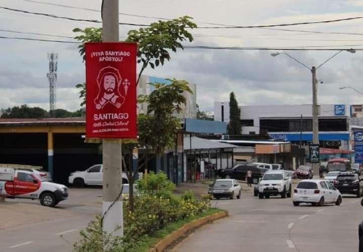 Alcalde de Santiago emite decreto que insta apertura para artistas y músicos
