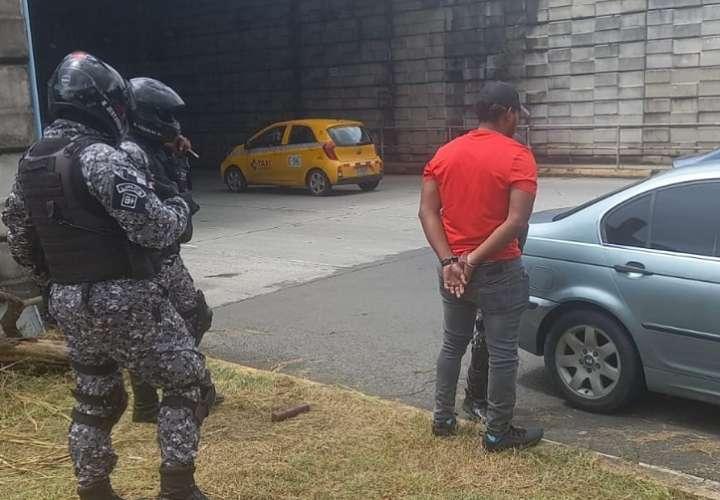 Linces atrapan a sujeto que robó un vehículo en Costa Verde de La Chorrera