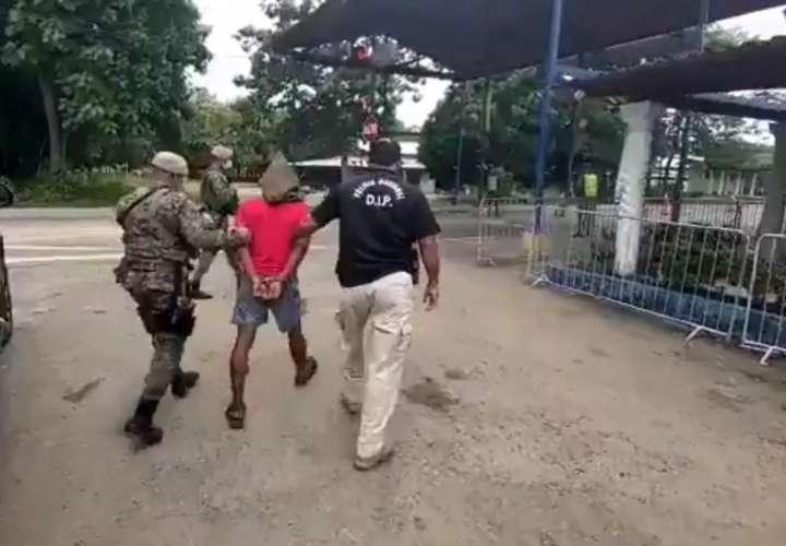 Dejan tras las rejas provisionalmente a otro señalado por homicidio de policía