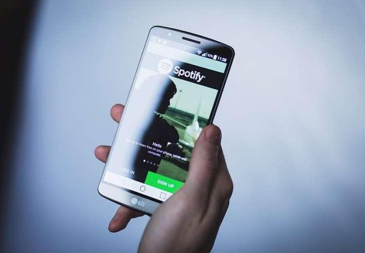 Truco para añadir música a sus historias de WhatsApp solo con ayuda de Spotify