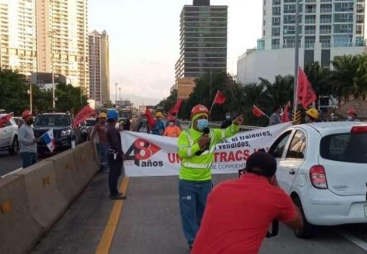 Suntracs protesta contra leyes y decretos del Gobierno  [Video]