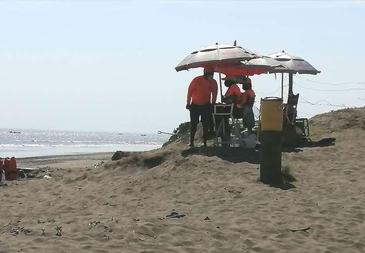 Alianza entre Sinaproc y surfistas para rescates acuáticos en playas santeñas