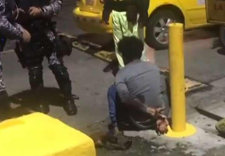 Capturan a delincuente que privó de libertad a taxista en Alcalde Díaz [Video]