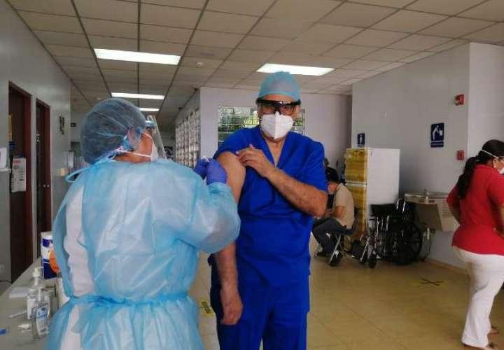 Minsa cumplirá con fases y etapas del proceso de vacunación contra Covid-19