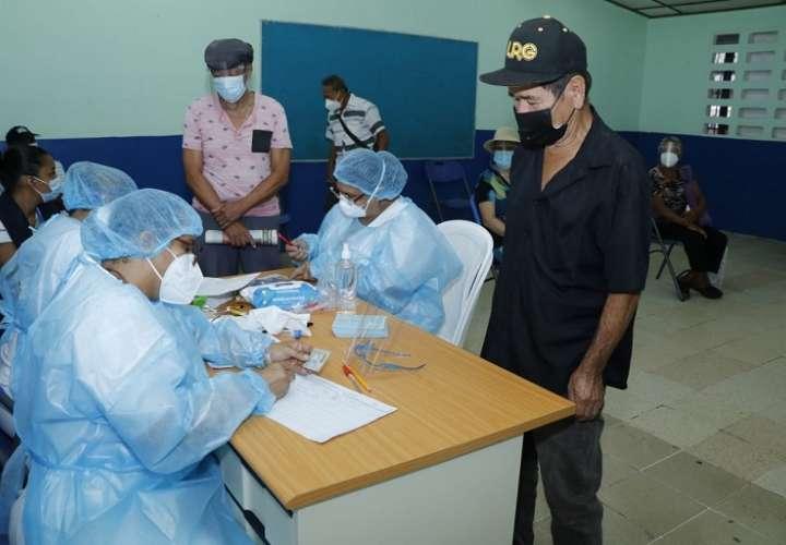 El PAI reporta que en Panamá se han aplicado 550,860 dosis de la vacuna contra el COVID-19 en todo el país.