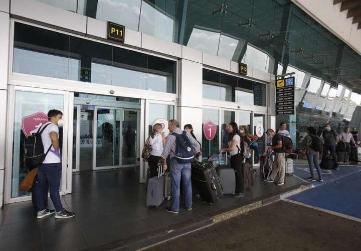 Reprograman para este lunes los vuelos para venezolanos varados en Panamá