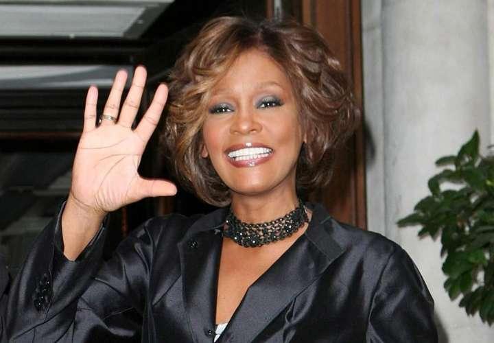 Nueva investigación sostiene que Whitney Houston fue asesinada