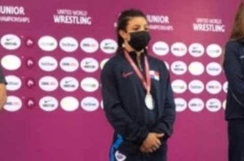 Milagros Morán ganó la medalla de plata en 49 kg, estilo libre. Foto: Cortesía
