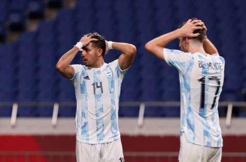 Los argentinos lamentan su eliminación. Foto:EFE