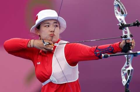 La atleta de tiro con arco Jiaxin Wu, de China. Foto: EFE