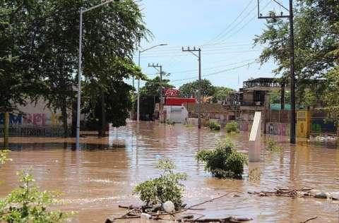 Pamela tocó tierra como huracán categoría 1 con Nayarit como el principal estado afectado. FOTO/EFE