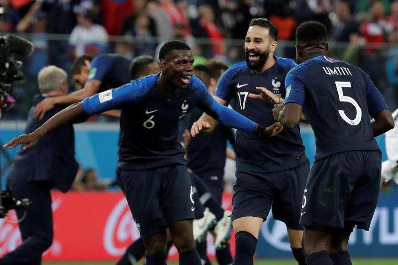 El defensa Samuel Umtiti fue elegido el Mejor Jugador de la semifinal que disputó Francia contra Bélgica (1-0). Foto EFE