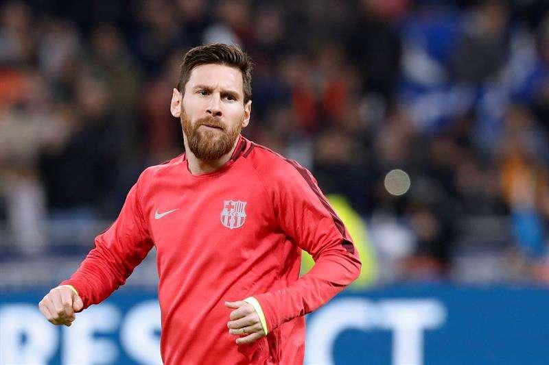 Leo Messi se convirtió en claro protagonista de la jornada al firmar una victoria clave del Barcelona en Sevilla con un nuevo triplete, el 50 que logra como profesional. EFE/Archivo