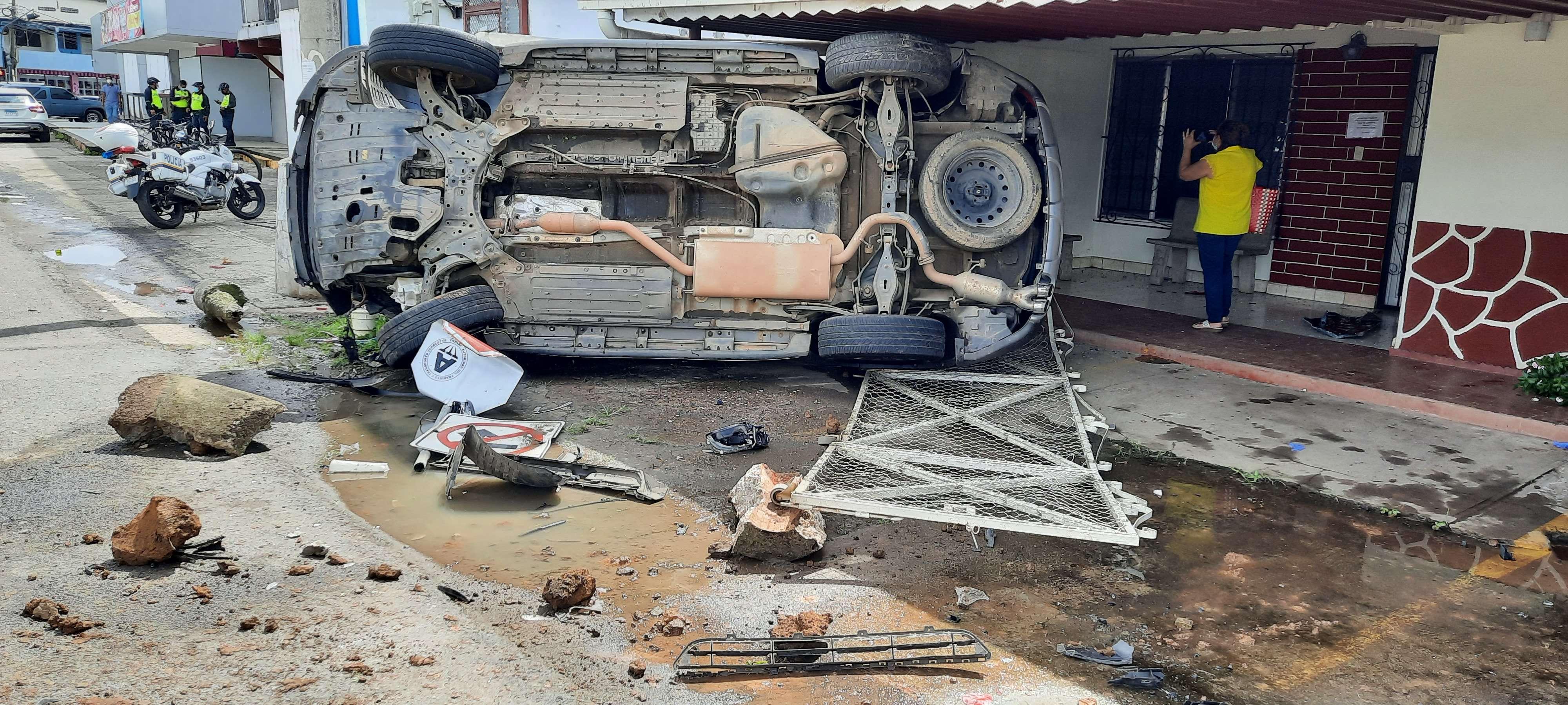Choque y vuelco en Veraguas, Foto: Melquiades Vásquez