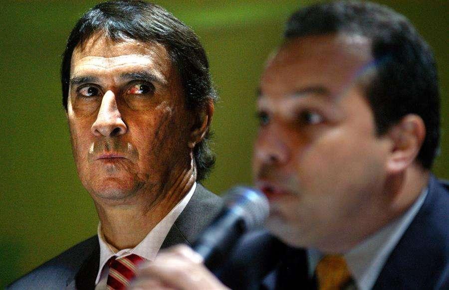 Ariel Alvarado (der.), expresidente de la Fepafut.