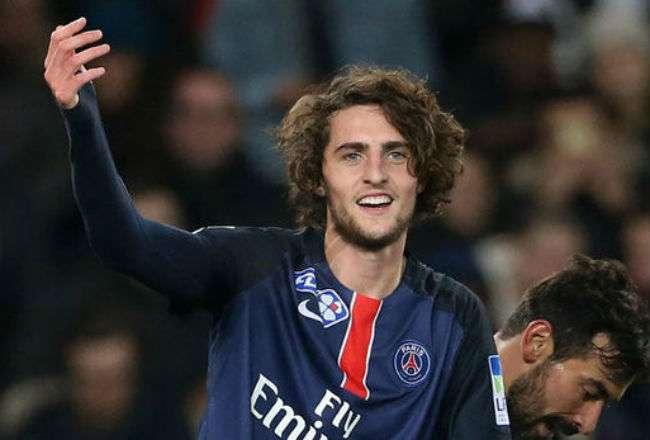 Adrien Rabiot es un futbolista francés. Juega de centrocampista.