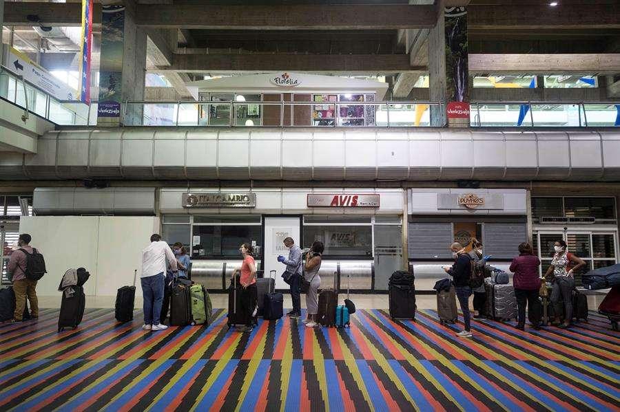 La semana pasada, Venezuela autorizó vuelos internacionales entre la nación caribeña y México, Irán, República Dominicana y Turquía. EFE