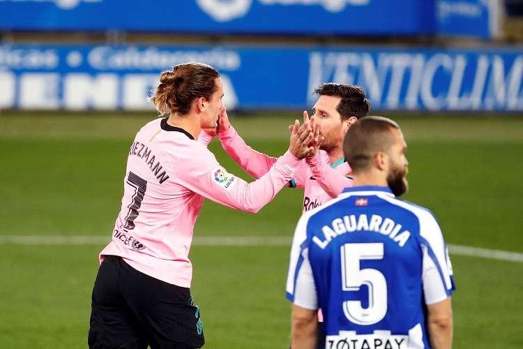 Griezmann celebra su anotación con Messi/ EFE