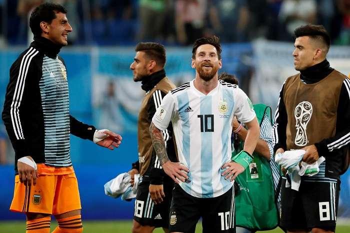 El delantero argentino Lionel Messi celebra tras el partido Nigeria-Argentina, del Grupo D./EFE