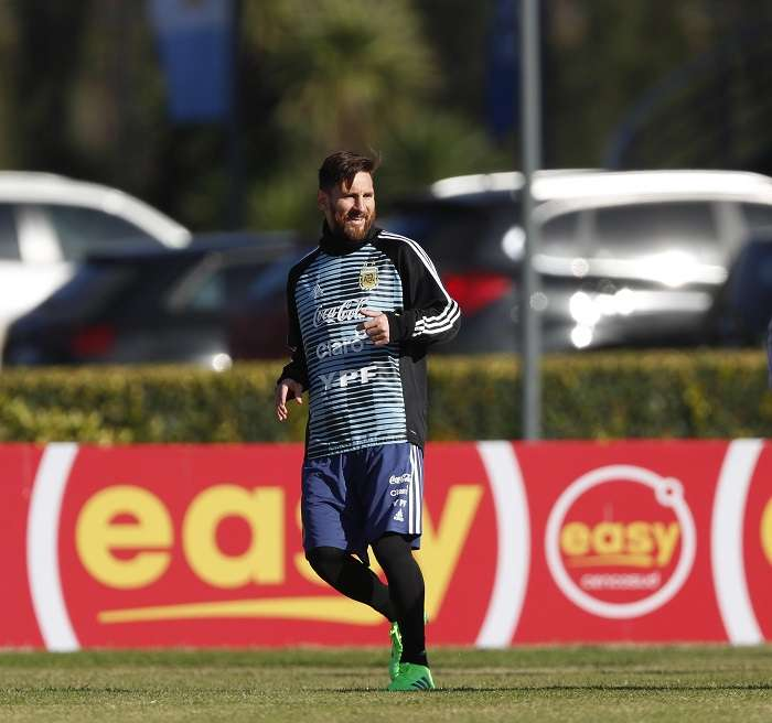El jugador de la selección argentina Lionel Messi entrena en el predio de la Asociación de Fútbol Argentino,/EFE