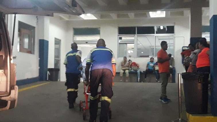 El atacante llegó en una bicicleta hasta el portal de la residencia donde se encontraba la víctima y le disparó