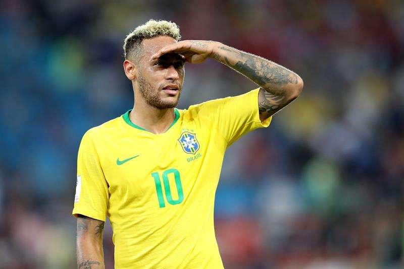 Neymar no marcó ante Serbia, pero siempre mantuvo el peligro en el arco rival. Foto EFE