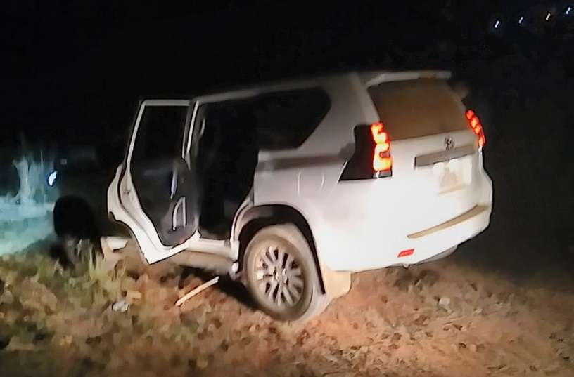 El herido es trasladado en un vehículo de la PN hacia la policlínica Dr. Blas Gómez Chetro.