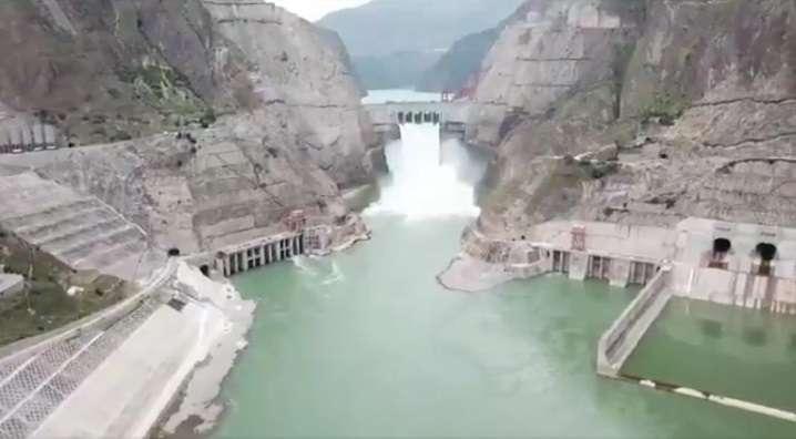 China comenzó hoy a operar dos unidades generadoras de la central hidroeléctrica de Baihetan. Captura de video