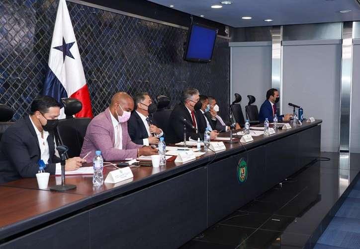 Vista general de los miembros de la Comisión de Credenciales de la Asamblea.