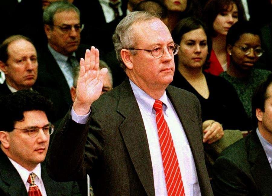 Kenneth Starr (imagen) y Robert Ray, dos fiscales especiales que investigaron durante años al expresidente estadounidense Bill Clinton (1993-2001), formarán parte de la defensa del mandatario Donald Trump en su juicio político en el Senado. EFE