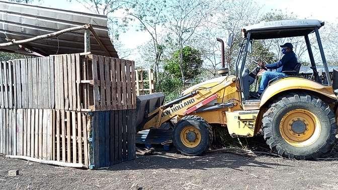 Esta nueva invasión de tierras se registra a pocos metros de donde ya existe un asentamiento informal con más de 300 familias.