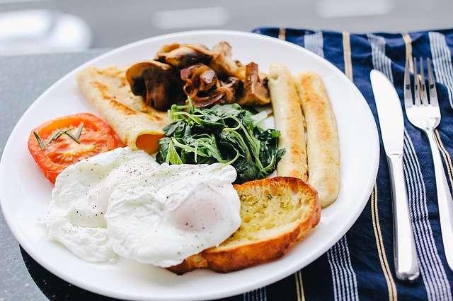 El efecto del desayuno no difirió entre las personas con un peso normal y aquellas que tenían sobrepeso. Foto: Pixabay