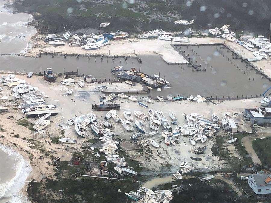 Vista aérea la destrucción en un puerto de embarcaciones de recreo en las Bahamas después del huracán Dorian golpeó las islas. EFE