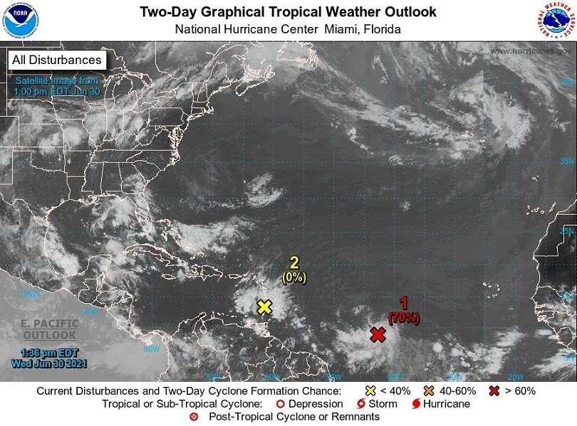Los meteorólogos de EE.UU. vigilan este miércoles una onda tropical en las Antillas Menores y un sistema de baja presión en el Atlántico que podrían convertirse en los próximos días en una depresión y afectar, en algún momento, las tareas de rescate. EFE