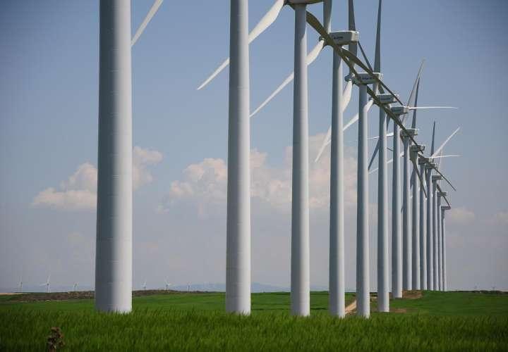 Vista general de las turbinas del parque eólico, ubicado en Penonomé, provincia de Coclé.